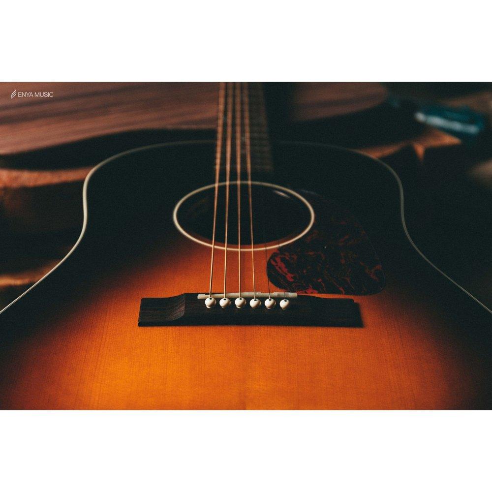 Enya T05J Semi-Acoustic Guitar-  Sunburst  with Hardcase | vintage series