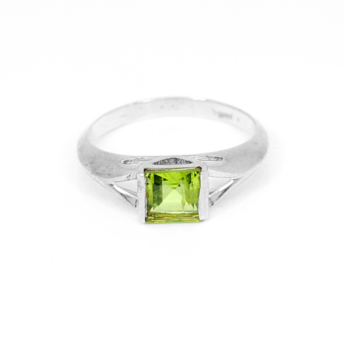 Fashionable Sterling Silver Ring Natural Peridot Gemstone Rings Unisex Tiny Ring Boho Stylish Statement Rings Healing Ring