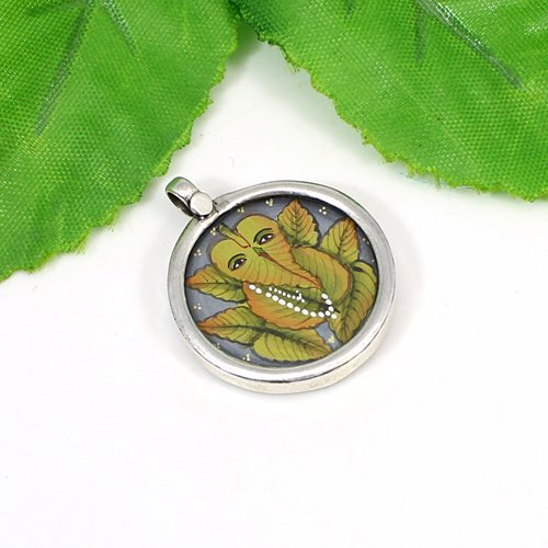 Most Elegant Collection Leaf Ganesha Pendant Handmade Painting Pendant Solid 925 Sterling Silver Jewelry Religious Pendants