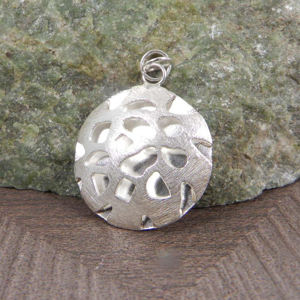 Sarrah Plain 925 Sterling Silver Ball Designer Jewelry Pendant
