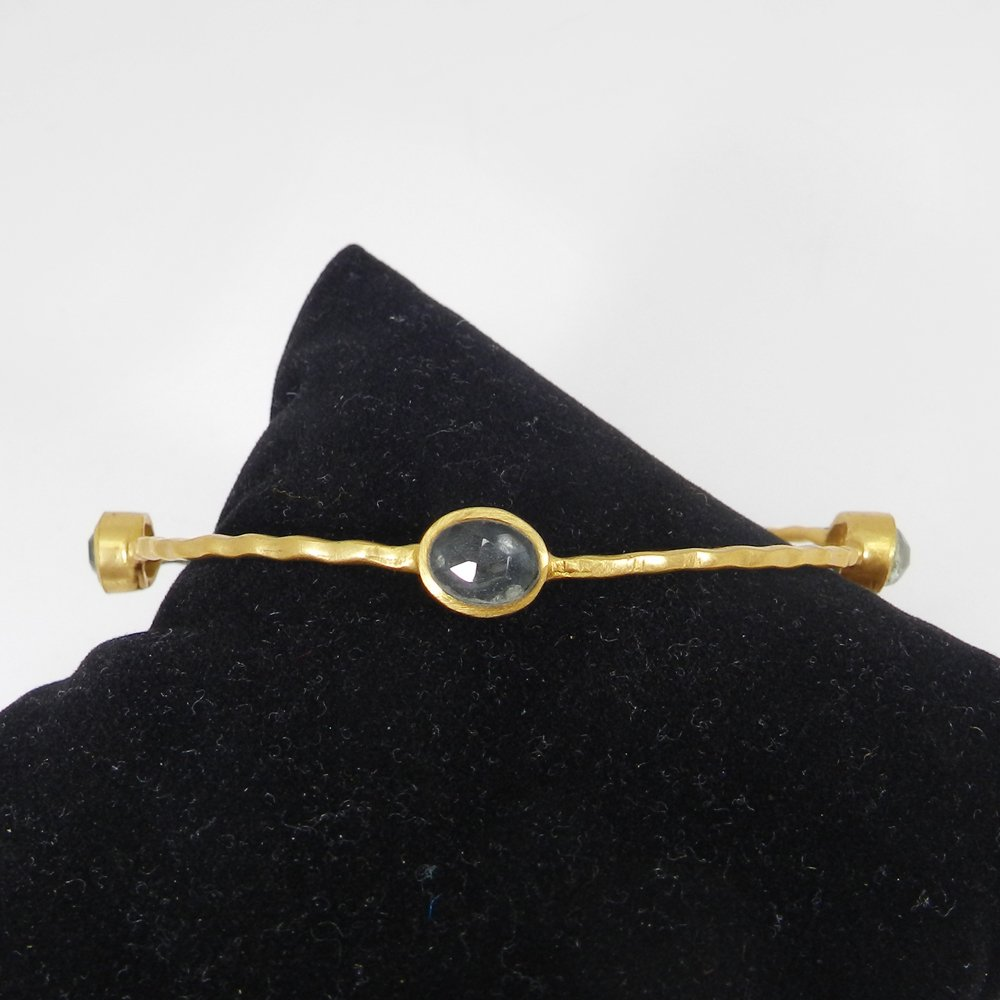 Senorita Aqua Crackle Glass Gold Plated Hammered Bezel Set Bangle
