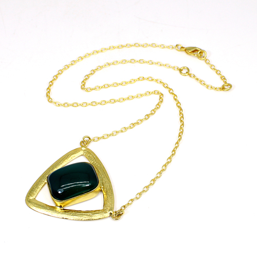 Wholesale Collection Natural White Onyx Gemstone Pendant Necklace Brass Gold Plated Necklace Women Statement Beach Necklace