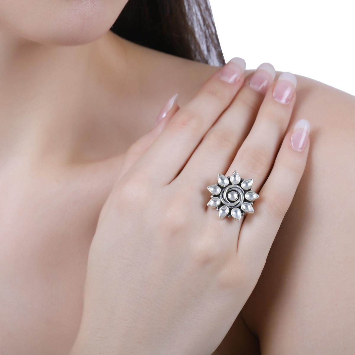 Kundan Flower Adjustable Ring