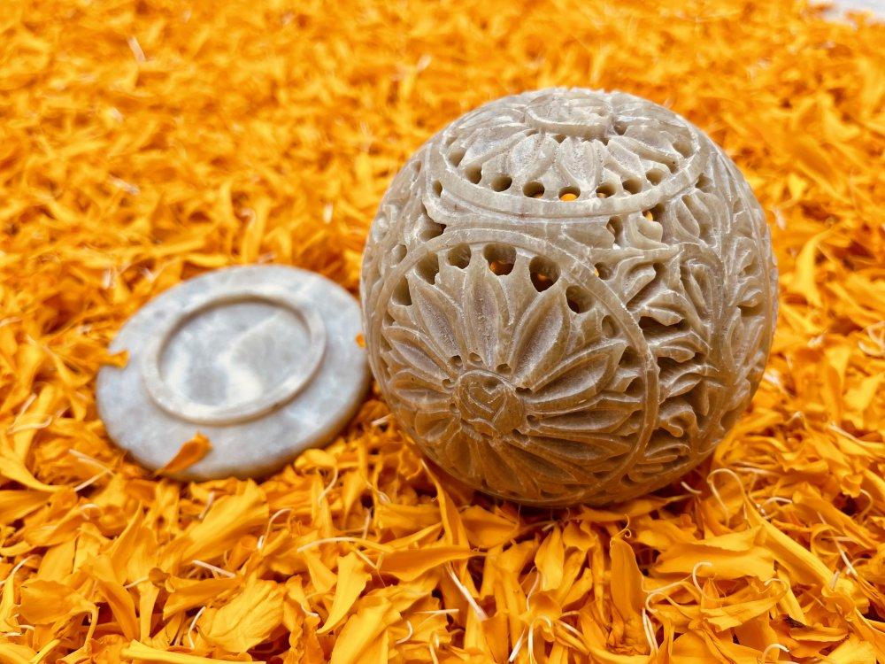 Gaurahari Circular Tealight Pot